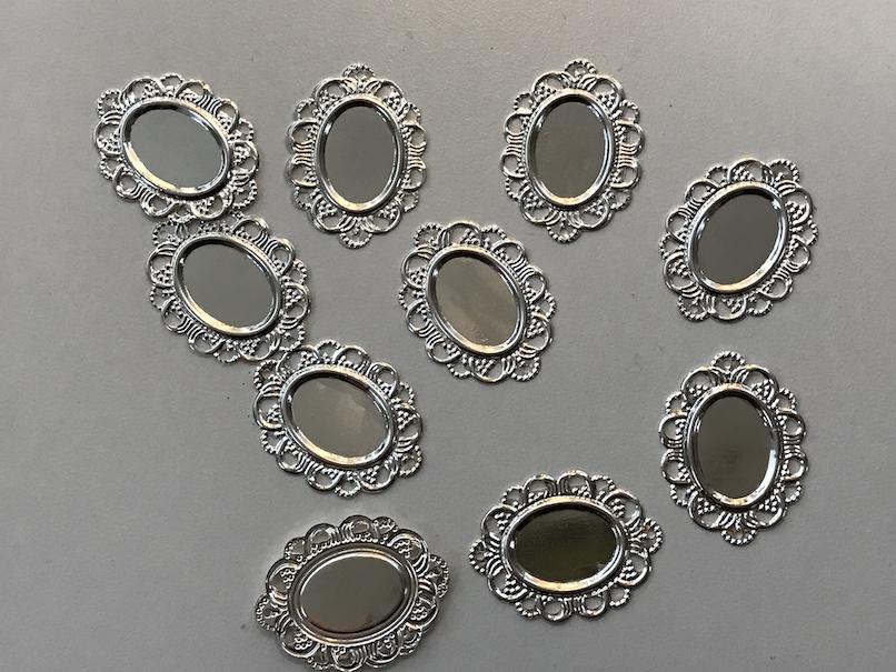 4 Fassungen für 25mm Cabochon Medaillons Metallanhänger Kettenanhänger M471
